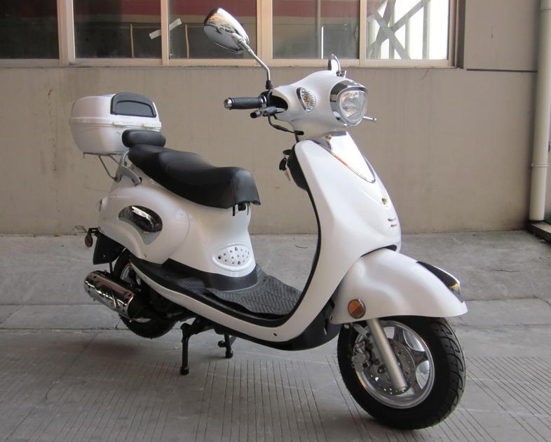 Mc 811 50cc Classic Euro Style Gas Moped Scooter